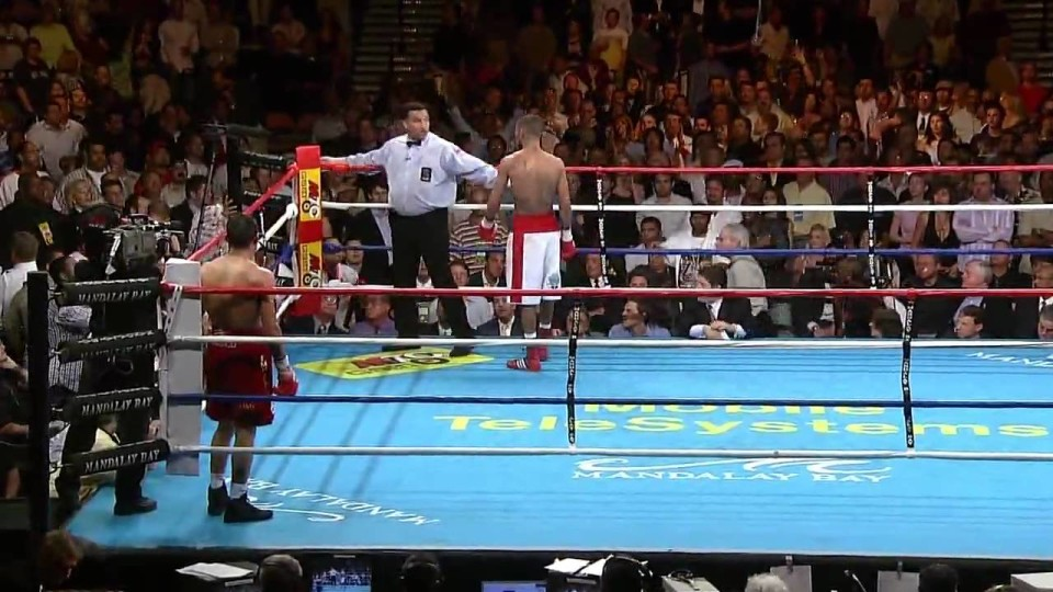 Awesome turn of events in a boxing match