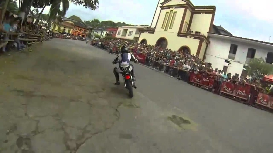 insane racing from Colombia