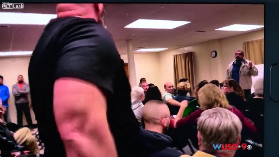 Man Interrupts Mosque Meeting Denouncing all Muslims as Terrorist.